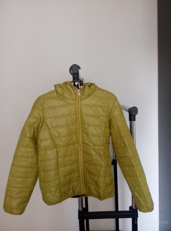 Яркие демисезонные молодежные куртки
