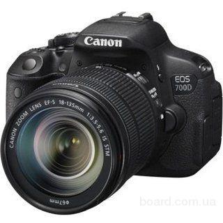 Зеркальный фотоаппарат Canon EOS 700D Kit (18-135mm) IS STM