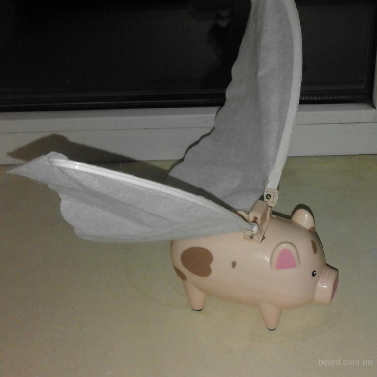 Забавная летающая свинка
