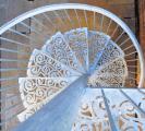 Элитные кованые лестницы, балконные ограждения, перила с элементами плазменной резки