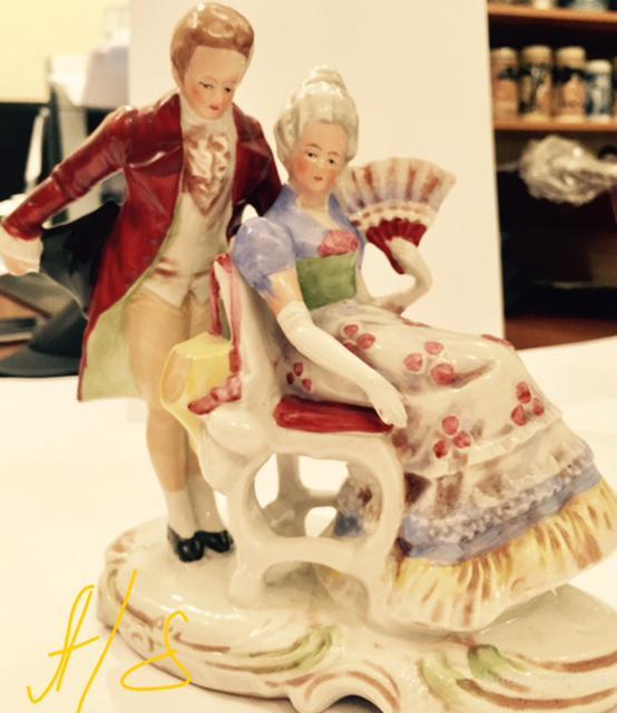 редкая коллекционная статуэтка из фарфора (Германия). Старинные статуэтки из фарфора купить в Киеве, дорогой подарок женщине