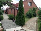 Сдам большой уютный дом на 6 комнат -300м2 .В экологическом районе Киевской обл.