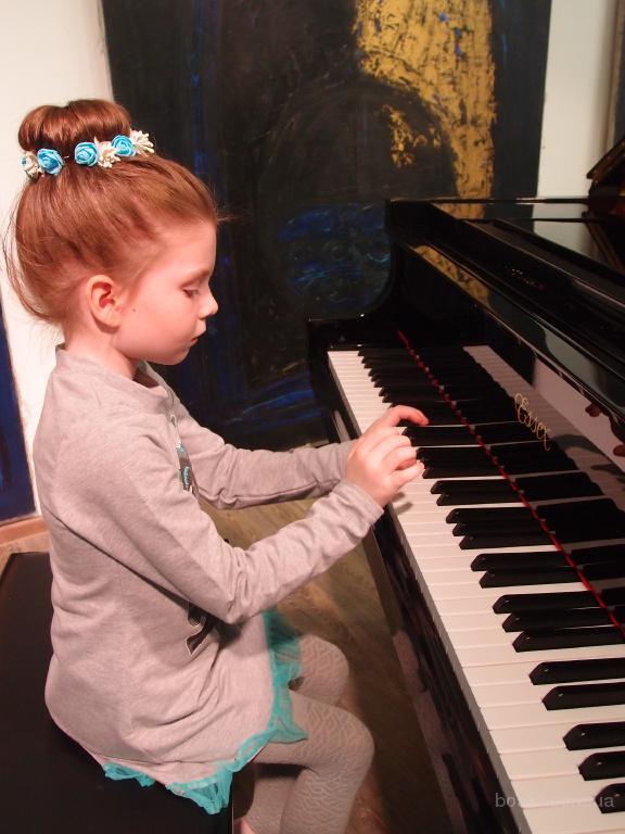 низкие цены на Уроки игры на фортепиано метро Теремки