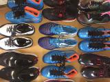 Кроссовки по 19 евро пара. Лот 20 пар. Известные европейские бренды : Adidas и т. п. .