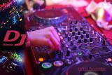 Ведущий и DJ диджей на свадьбу в Одессе цены