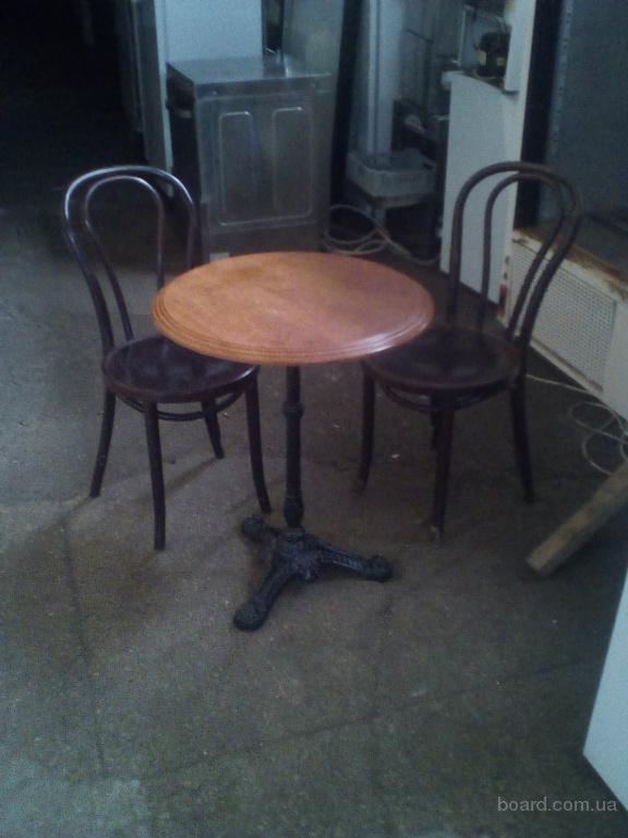 Стол круглый деревянный на чугунной ноге для кафе, кофейни