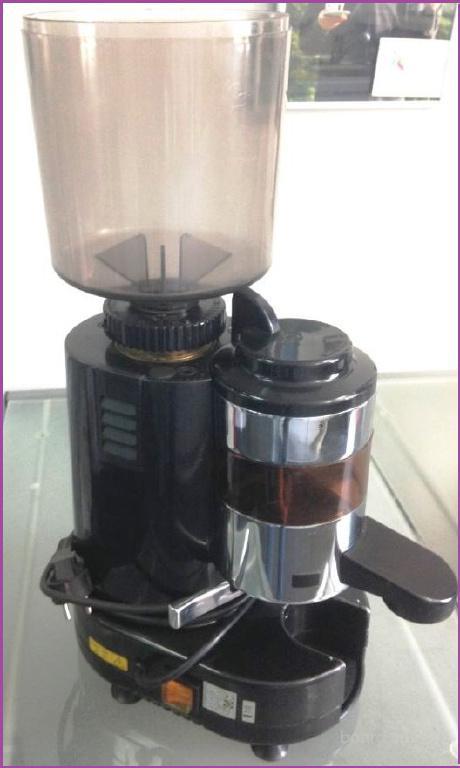 Кофемолка б.у  Gino Rossi Rr45spm. Гарантия 6 мес.