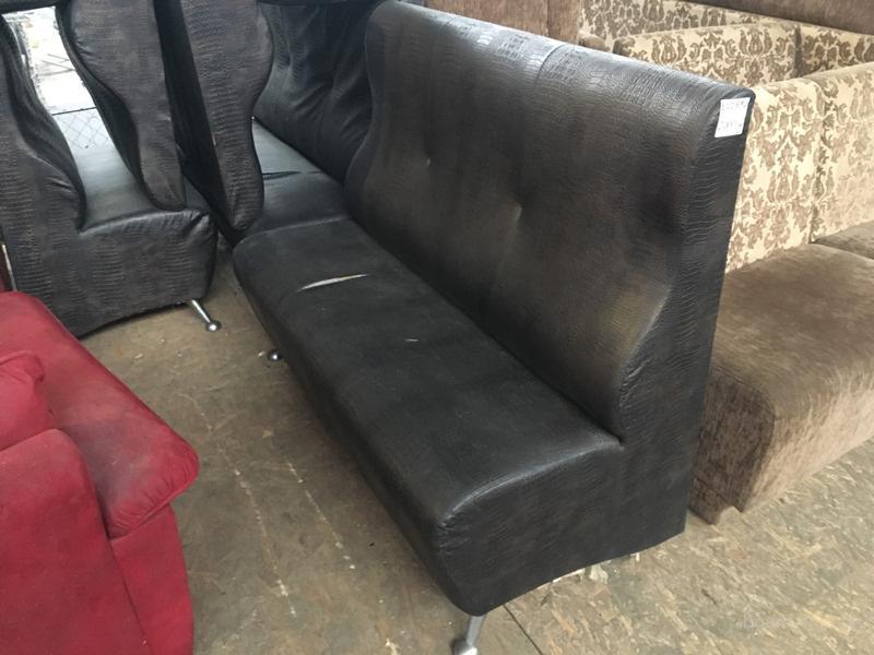 Чехол из кожзама на диван 86